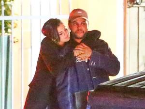 <i>Nge-date</i> di Italia, Selena Gomez dan The Weeknd Habiskan Rp 3 M