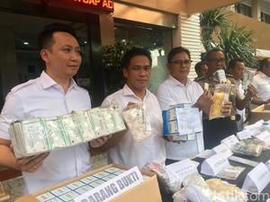 Polda Metro Bongkar Peredaran Obat Keras di Apotek di Tangerang
