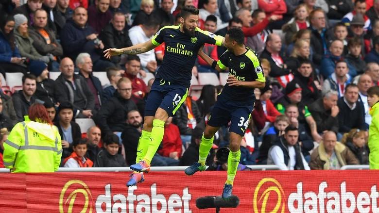 Giroud, Koscielny, dan Coquelin Teken Kontrak Baru dengan Arsenal