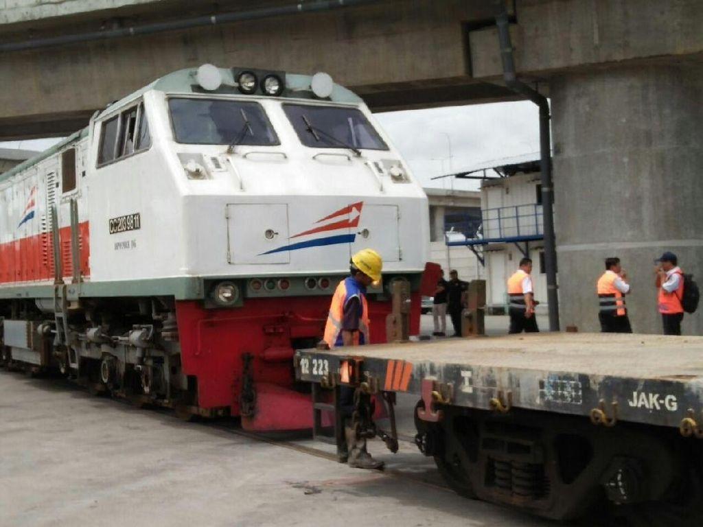 Angkut Barang Ekspor Gedebage-Tanjung Priok Pakai Kereta