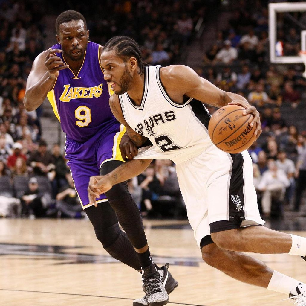 Spurs Hajar Lakers 134-94