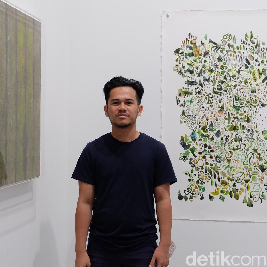 Syaiful Garibaldi Si Seniman Jamur Unjuk Gigi di Art Stage Singapore 2017