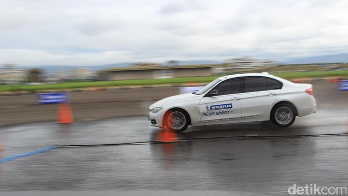 Uji Tes Ban Michelin Pilot Sport 4