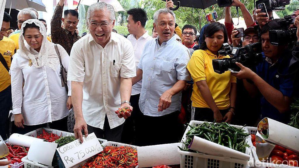 Mendag Enggartiasto Buka Pasar Murah Imlek di SCBD