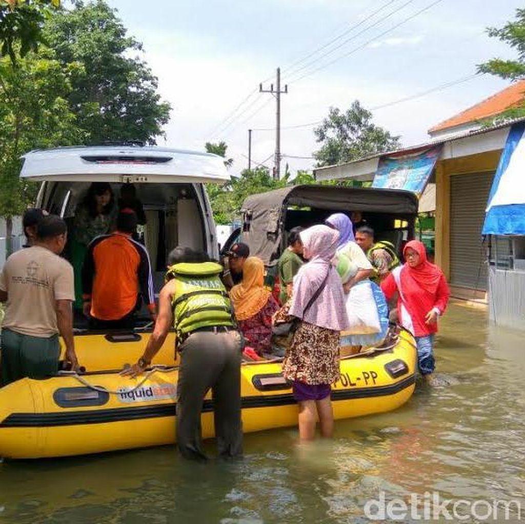 Korban Banjir Pasuruan Nikmati Pelayanan Kesehatan Keliling