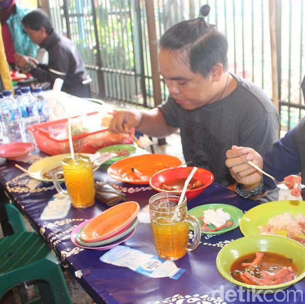 Pedagang Ceker Lapindo dan Sego Sambel Keluhkan Harga Cabai