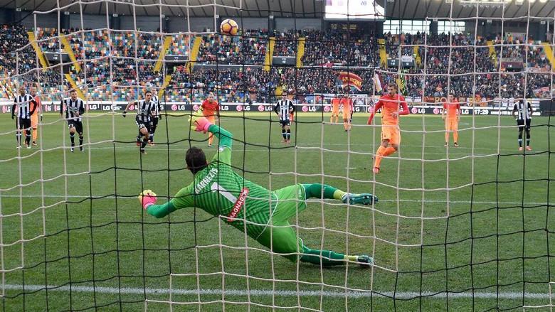 """Bandar Bola - Gol Tunggal Nainggolan Menangkan Roma Dari Udinese"""