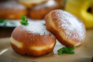 Ini 5 Langkah Bikin Roti Goreng dengan Isi Cokelat yang Empuk