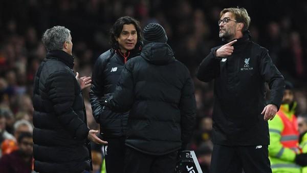Tentang Adu Mulut Mourinho-Klopp di Pinggir Lapangan
