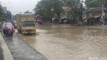 Jalan Kaligawe Semarang Kembali Tergenang Banjir
