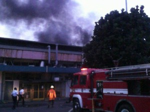 Pabrik di Pulogadung Terbakar, 12 Damkar Dikerahkan