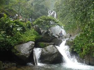 5 Alasan Kamu Harus Coba ke Curug Ciherang yang Nge-hits di Bogor