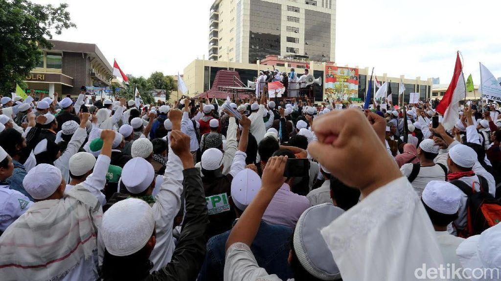 Polisi: Massa FPI Besok Konvoi ke Senayan Lalu Jalan ke Mapolda