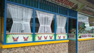 Pedagang Nasi Padang Ini Akui Omzet Turun Gara-gara Cabai Mahal