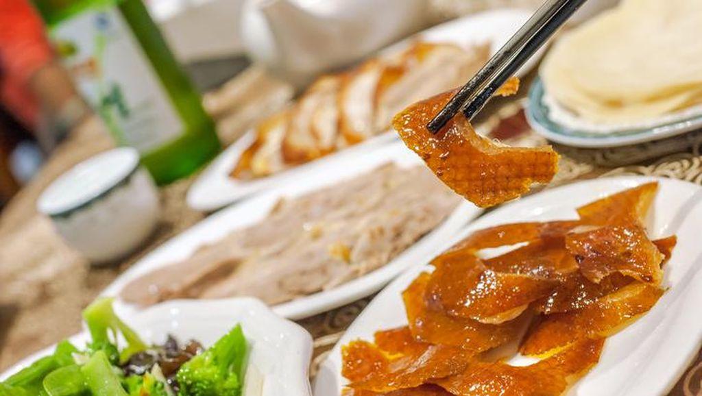 Bebek Peking Berkulit Renyah Kini Bisa Dinikmati di Jia Restaurant