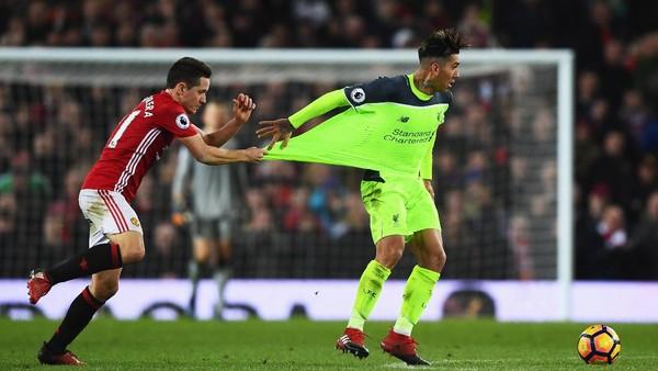 Prediksi MU vs Liverpool versi Indomanutd dan BIGREDS