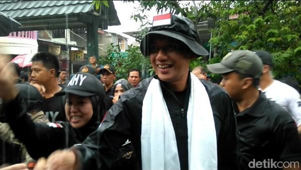 Hujan Deras, Agus Yudhoyono Gerilya Sapa Warga Jakut