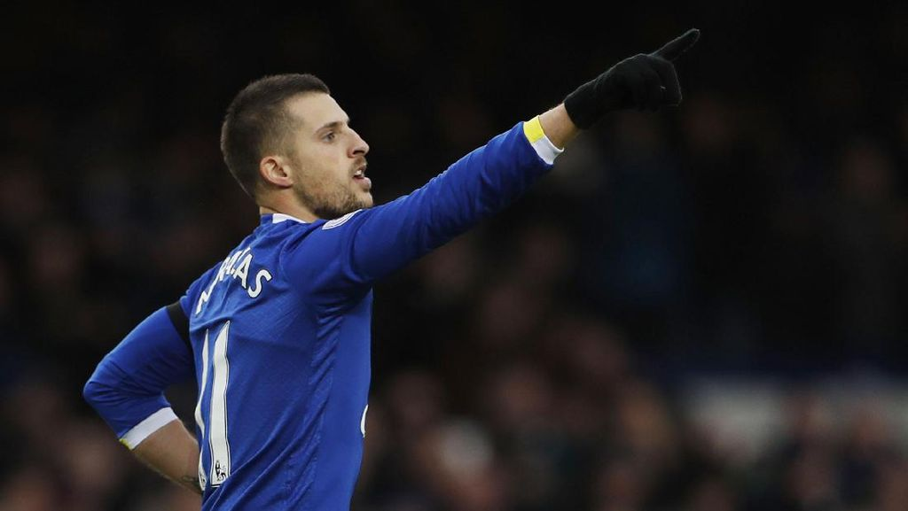 Everton Bungkam City 4-0
