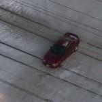 Nyangkut di Rel, Ford Mustang Hampir Ditabrak Kereta