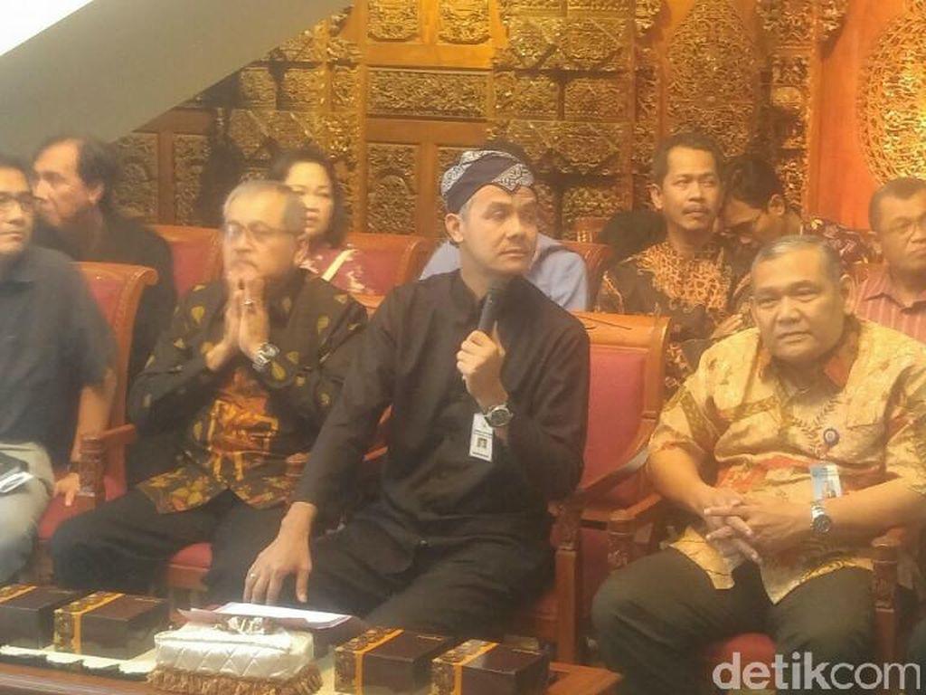 Gubernur Ganjar Cabut Izin Lingkungan Pabrik Semen di Rembang