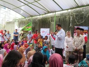 Janji Anies ke Lansia: Tunjangan Rp 300 Ribu Tiap Bulan