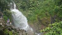 Liburan ke Curug Ciherang Bogor, Ada Keseruan Apa Saja Sih?