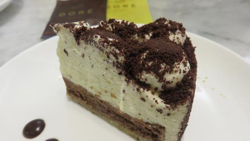 Ngemil Sore di Plaza Indonesia Bisa Cicip Cheesecake Jepang dan Martabak Cake