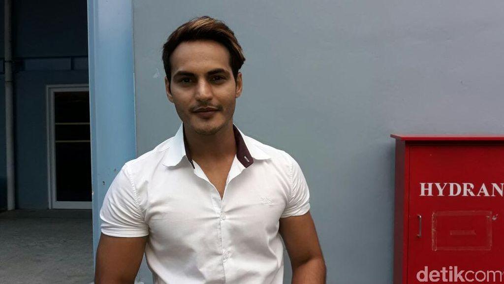 Pria India Ini Akui Dekat dengan Ayu Ting Ting
