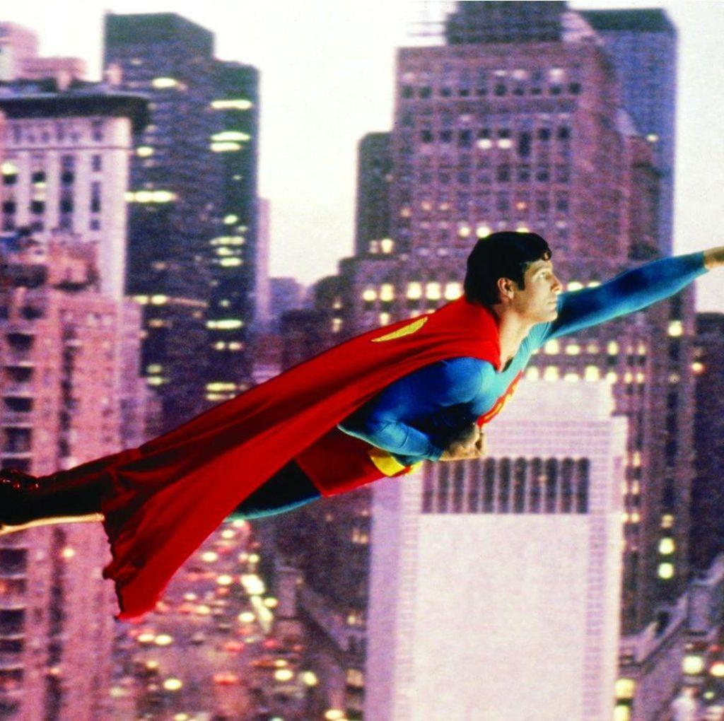 Kostum Superman Christopher Reeve Dilelang Mulai Harga Rp 535 Juta