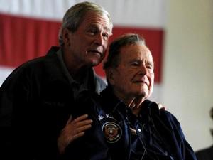 Mantan Presiden AS George HW Bush Dilarikan ke Rumah Sakit