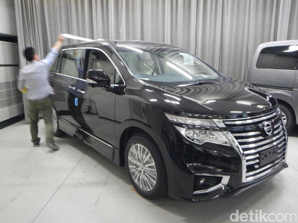 Nissan Tak Mau Komentari Gugatan Konsumen Elgrand Tanpa Ban Serep