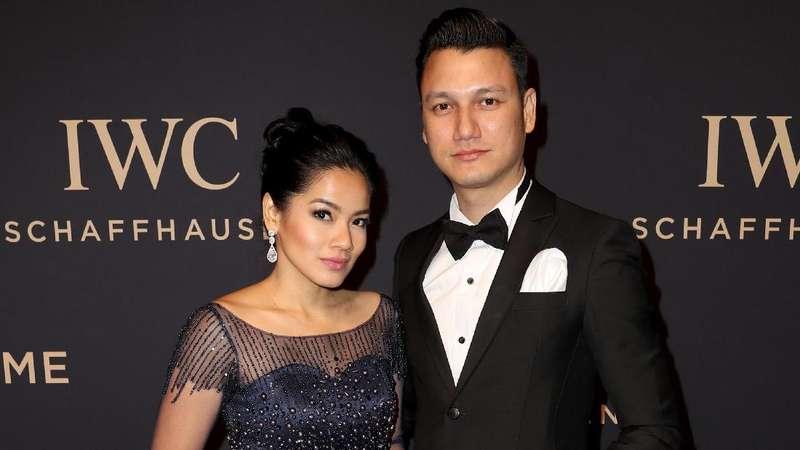 Christian dan Titi Kamal Eksis Bareng Seleb Dunia