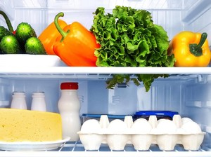 Berapa Lama Makanan Bisa Tetap Segar Disimpan di Kulkas?