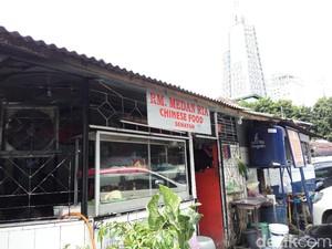 Jerit Pedagang di Lapo Senayan yang akan Pindah Lokasi
