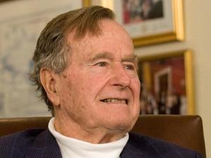 George HW Bush Dirawat di Rumah Sakit karena Gangguan Pernapasan