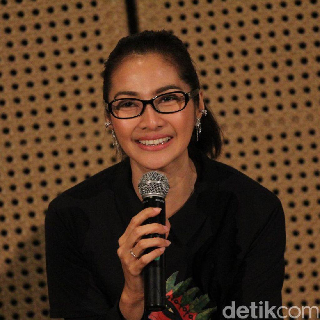 Diajak Main Puisi Teatrikal, Maudy Koenaedi Merasa Laki Banget
