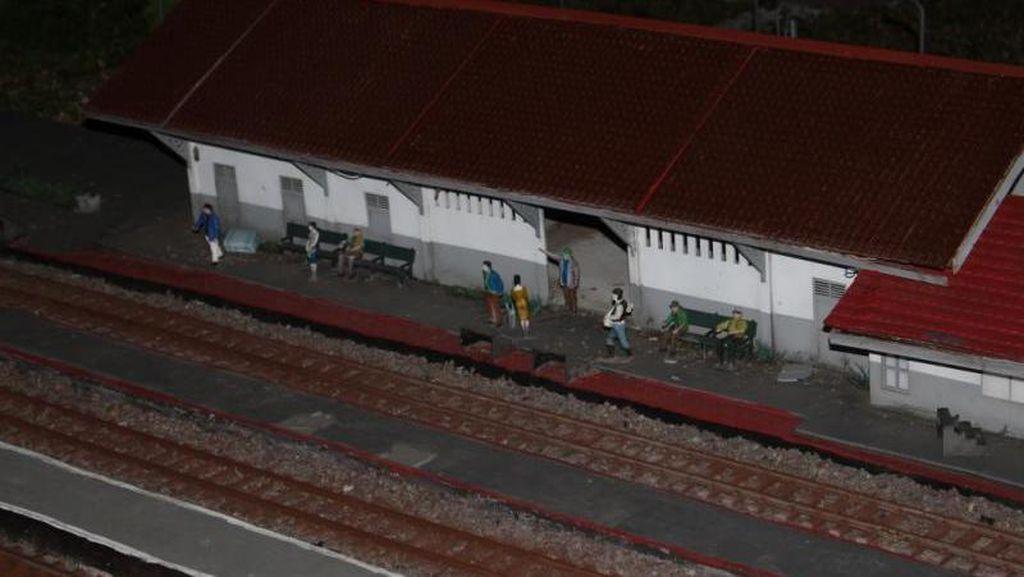 Imut! Ada Taman Miniatur Kereta di Bandung
