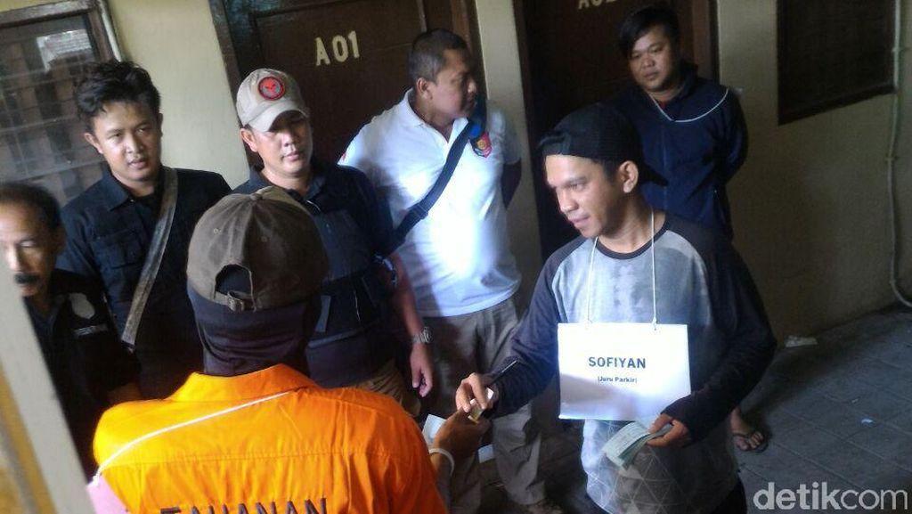 Polisi Gelar Rekonstruksi Pembunuhan Casriah di Hotel Flamboyan