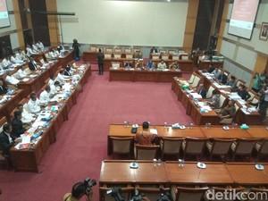 DPR Rapat dengan Menkum HAM, Bahas Bebas Visa hingga Lapas