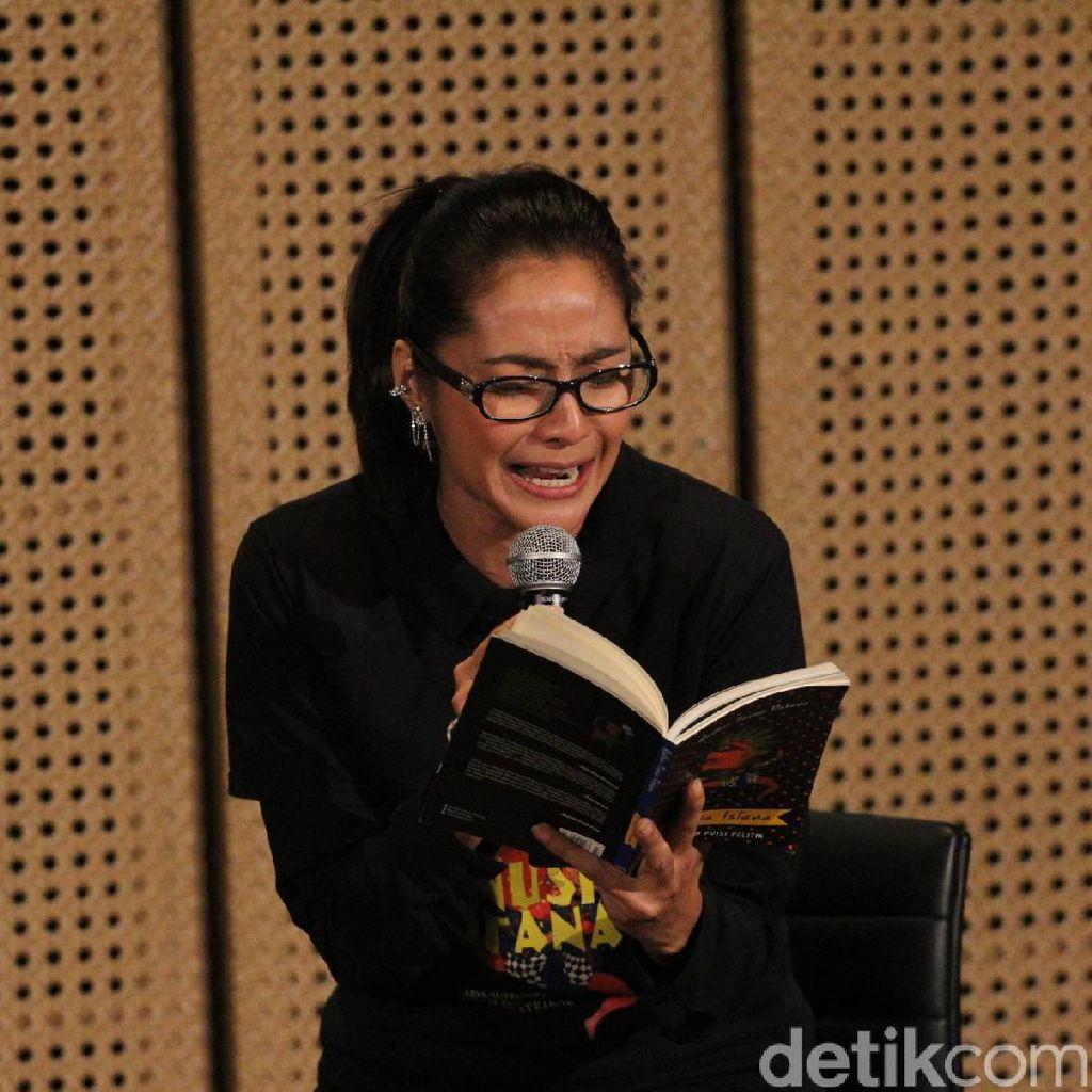 Diajak Main Puisi Teatrikal, Maudy Koesnaedi: Saya Tuh Penikmat Puisi!