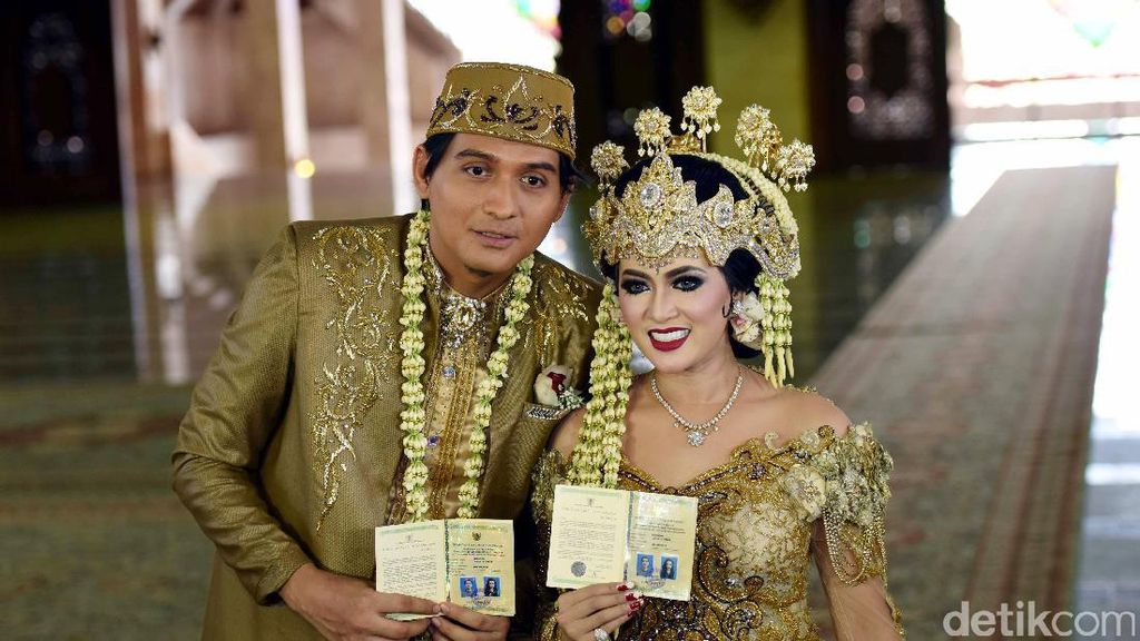 Lucky Hakim dan Istri Sudah Nikah Siri Sejak Desember 2016
