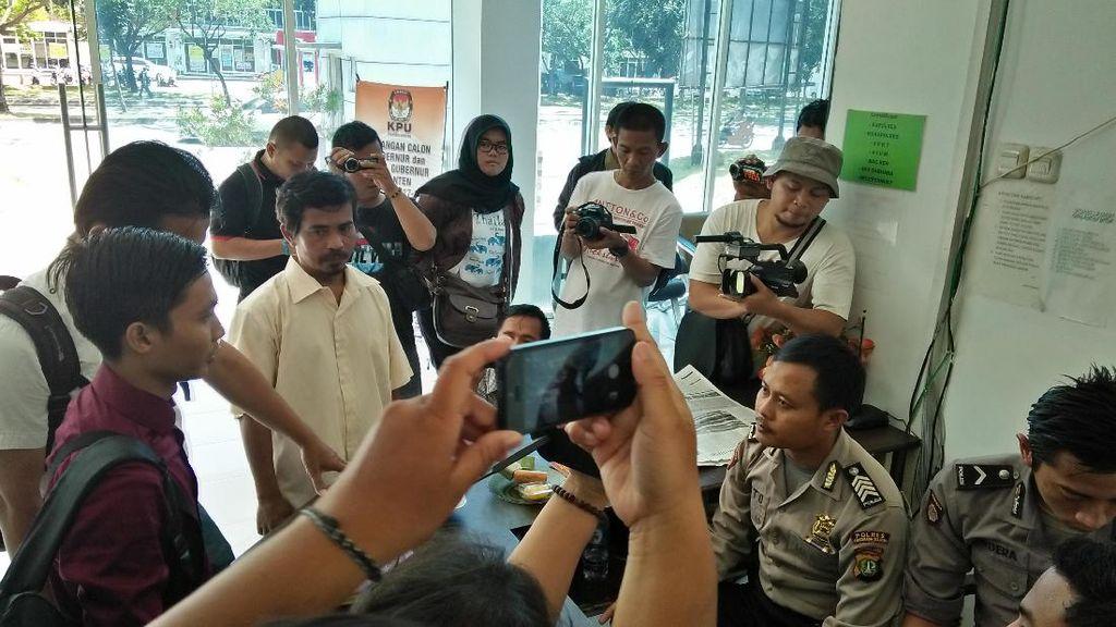 Divonis Bebas, Penjual Cobek Tagih Dompetnya yang Disita Polisi
