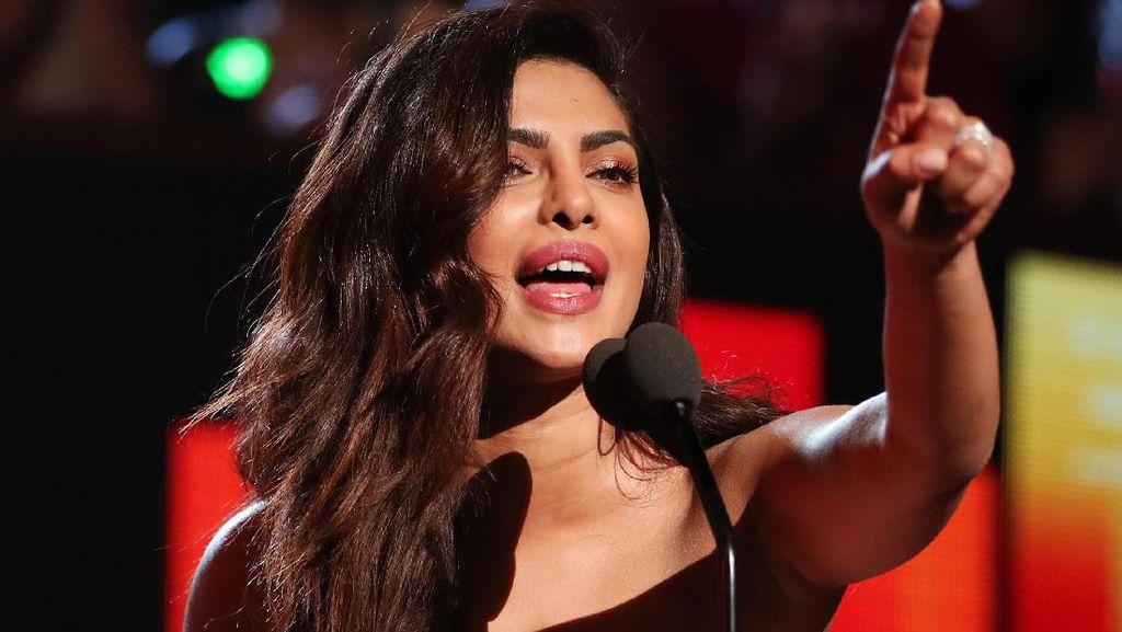 Priyanka Chopra Komentari Kemenangan Donald Trump