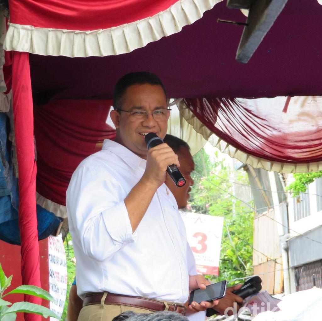 Anies Ajak Warga Bantu Pedagang Korban Kebakaran Pasar Senen