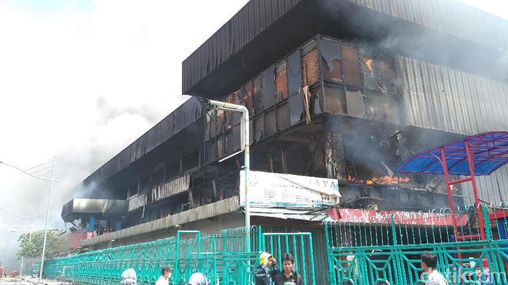Jumlah Kios yang Terbakar di Pasar Senen Jadi 1.691