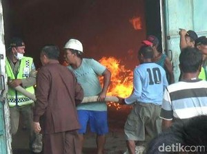 Gudang Sekam di Probolinggo Terbakar