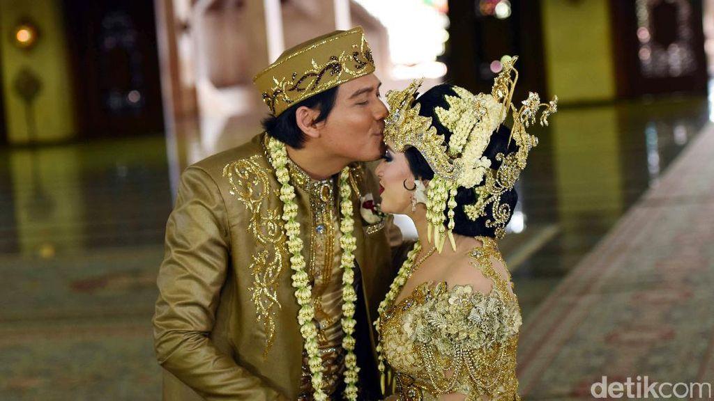 Baru Menikah, Lucky Hakim Tertular Perilaku Alay Tiara Dewi
