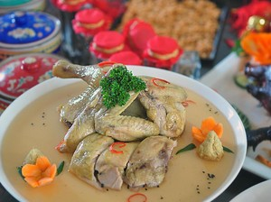Hidangan Ayam Istimewa di 2 Restoran Ini Sambut Datangnya Tahun Ayam