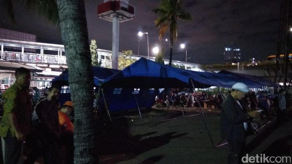 Posko dan Penjagaan Bersiaga di Pasar Senen Agar Tak Ada Penjarah