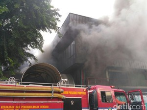 Kadis Damkar DKI: Kebakaran Pasar Senen Diduga Korsleting Listrik